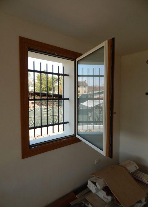 Finestra uni one modello complanare padova realizzazione porte finestre portoncini d - Modelli di finestre ...