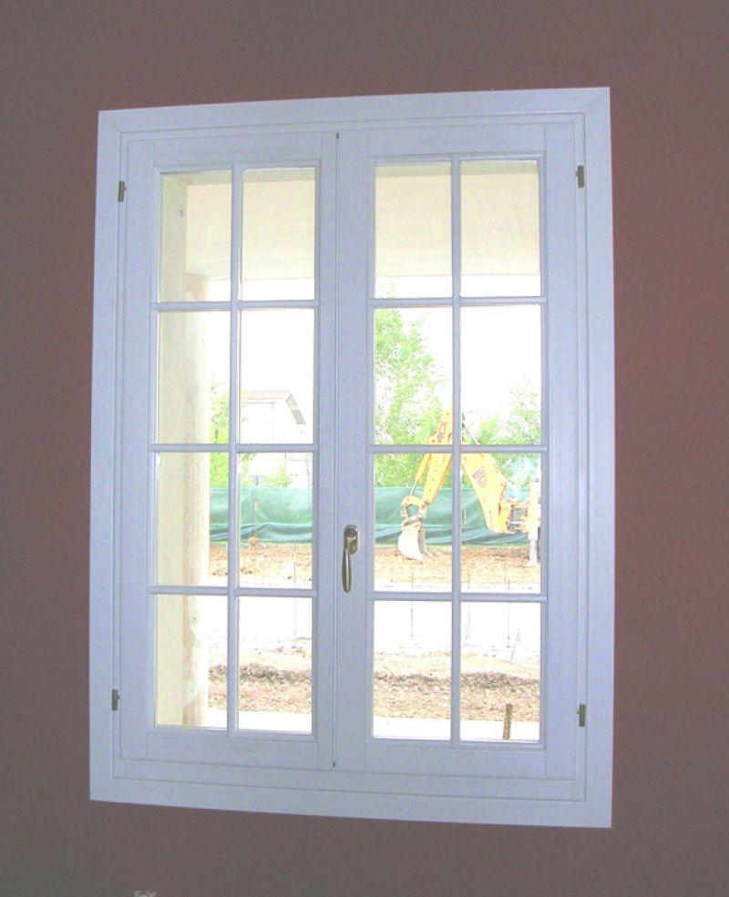 Finestra in abete lamellare modello barocco padova - La finestra padova ...