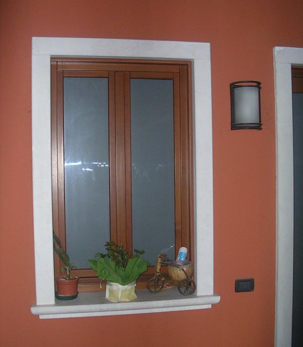 Finestra in abete lamellare modello classic padova realizzazione porte finestre portoncini - La finestra padova ...