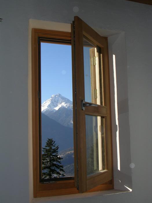 Finestra in larice lamellare modello classic padova - La finestra padova ...