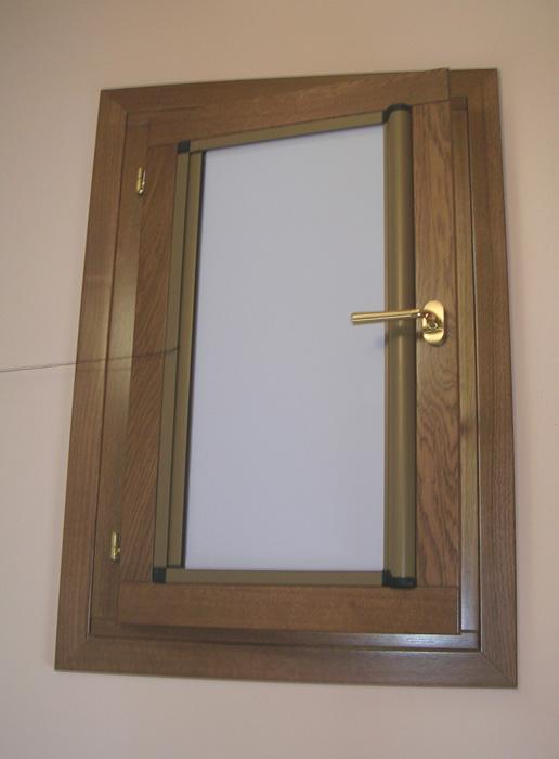 Finestra in rovere lamellare modello classic padova - La finestra padova ...