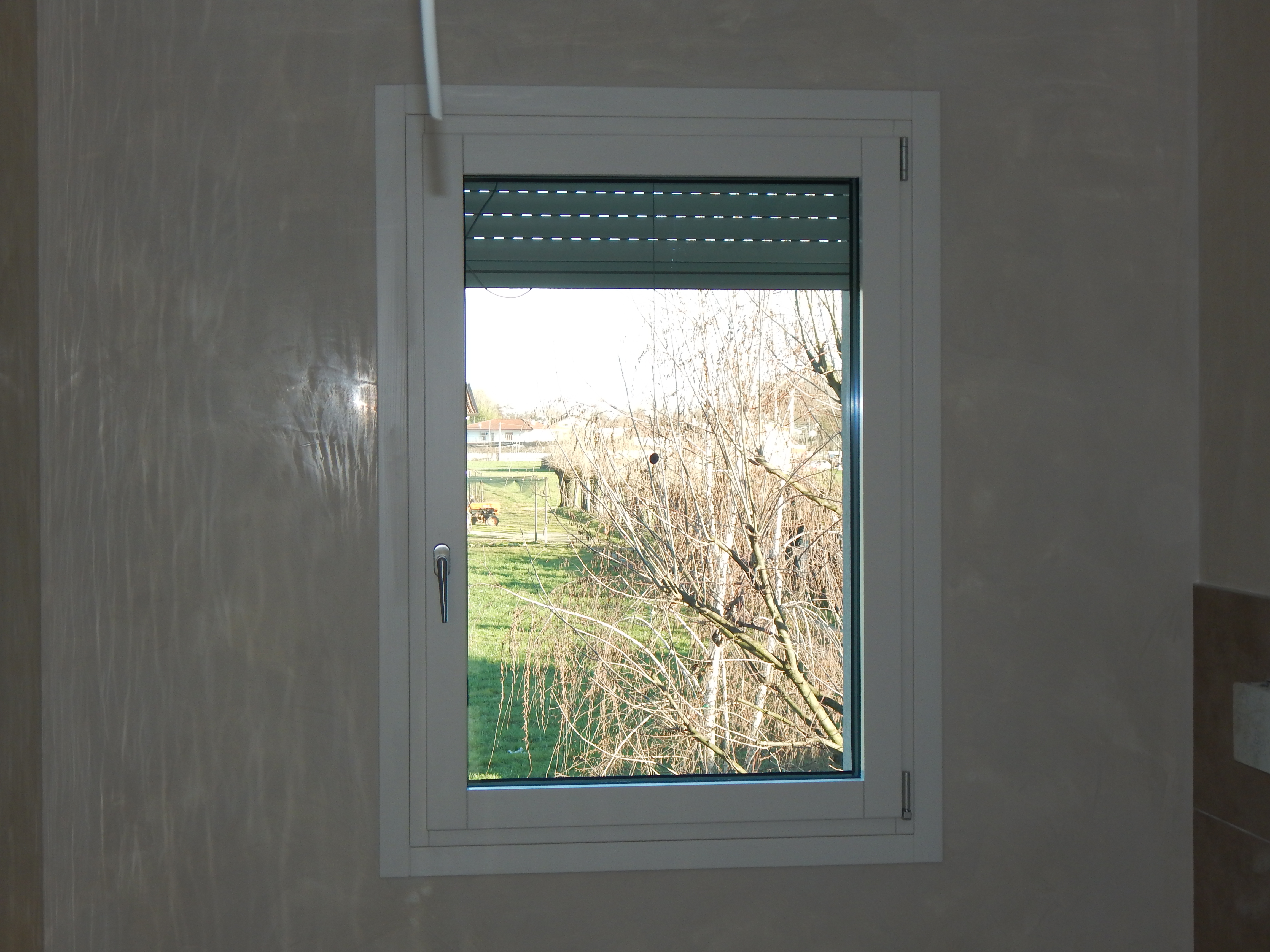 Finestra modello top zero padova realizzazione porte finestre portoncini d 39 ingresso e scuri - Modelli di finestre ...