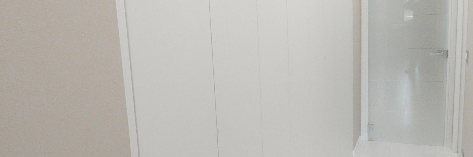 Realizzazione armadi a muro padova porte finestre for Armadi padova