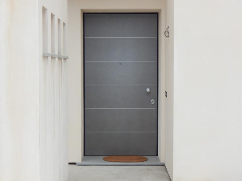 Porte Con Inserti In Alluminio : Porta blindata con inserti in alluminio satinato padova
