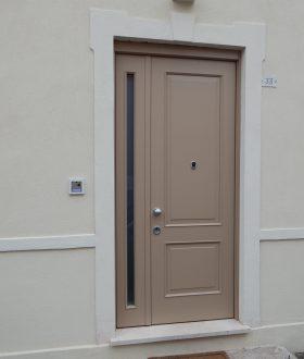 Porta blindata da esterni – Modello 2 riquadri