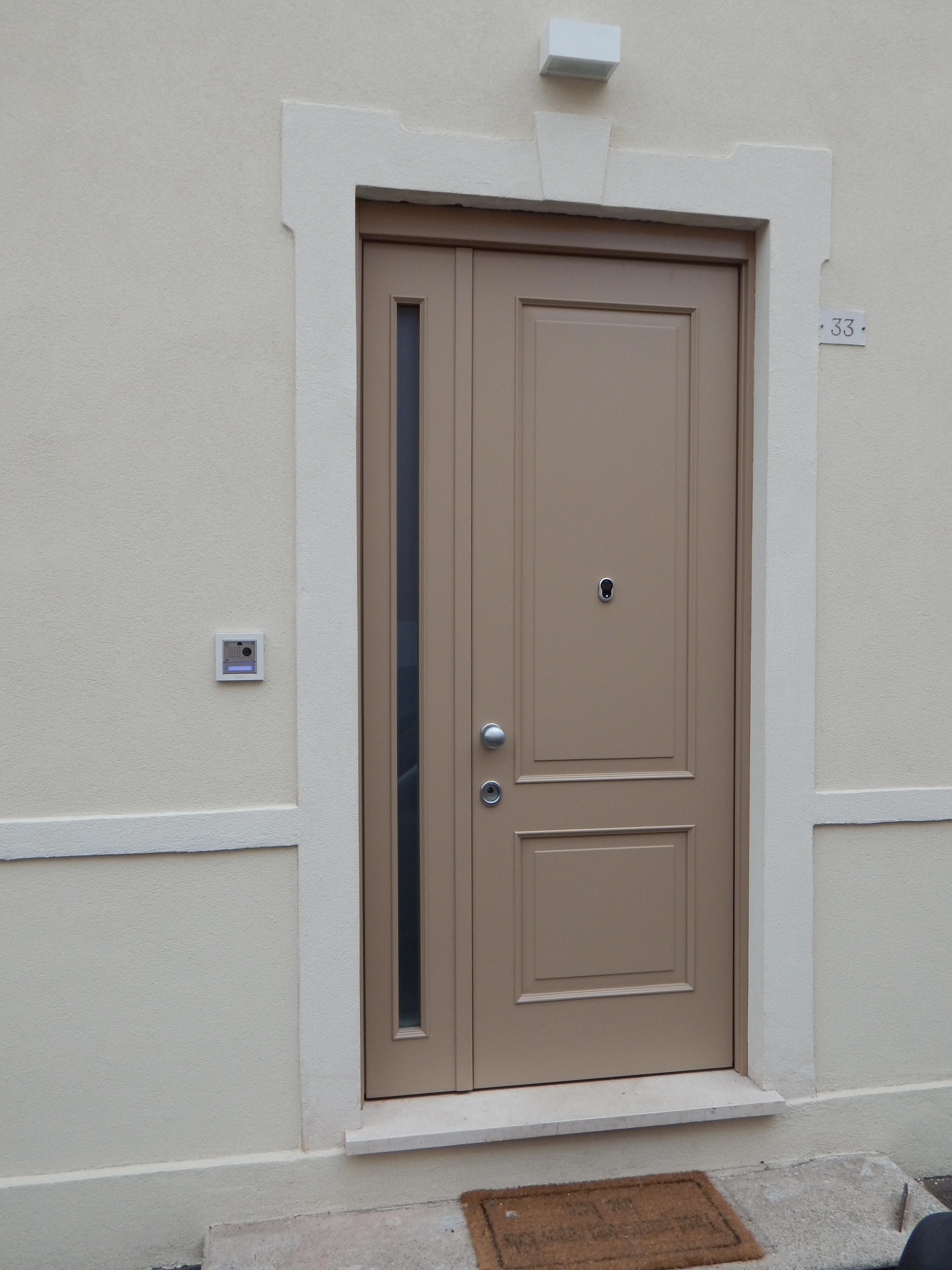 Porta blindata da esterni modello 2 riquadri padova - Porta ingresso blindata ...