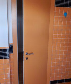 Realizzazione porte in legno padova porte finestre portoncini d 39 ingresso e scuri in legno - Finestre in frassino ...