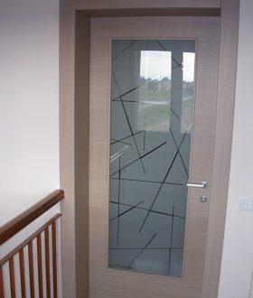 Realizzazione porte in vetro e legno padova porte finestre portoncini d 39 ingresso e scuri in - Finestra scorrevole costo ...
