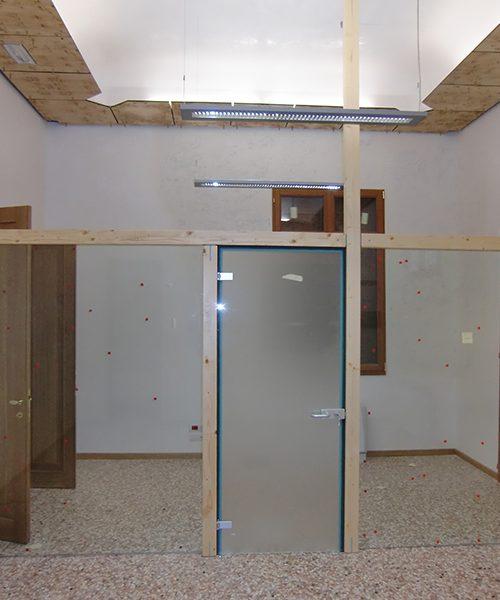 Porta in vetro su parete vetrata Padova - Realizzazione ...