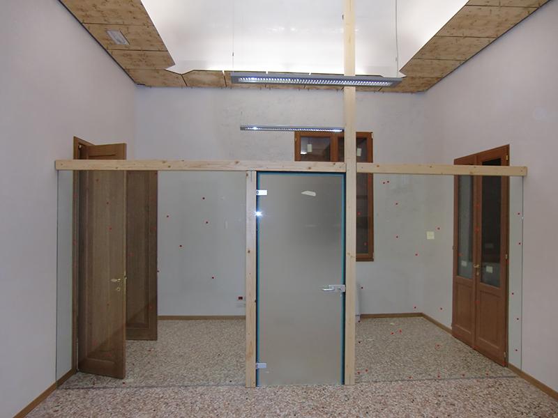 Porta in vetro su parete vetrata padova realizzazione - Parete vetrata esterna ...