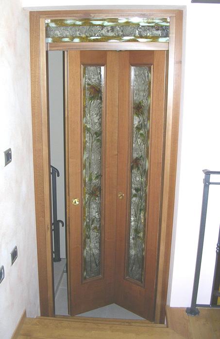 Porta pieghevole modello n liscia padova realizzazione - Sopraluce porta ...
