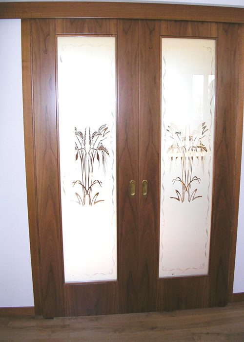 Porta scorrevole vetro e legno con vetro sabbiato decorato - Porta scorrevole doppia ...