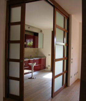 Porta scorrevole vetro e legno – Modello ad angolo