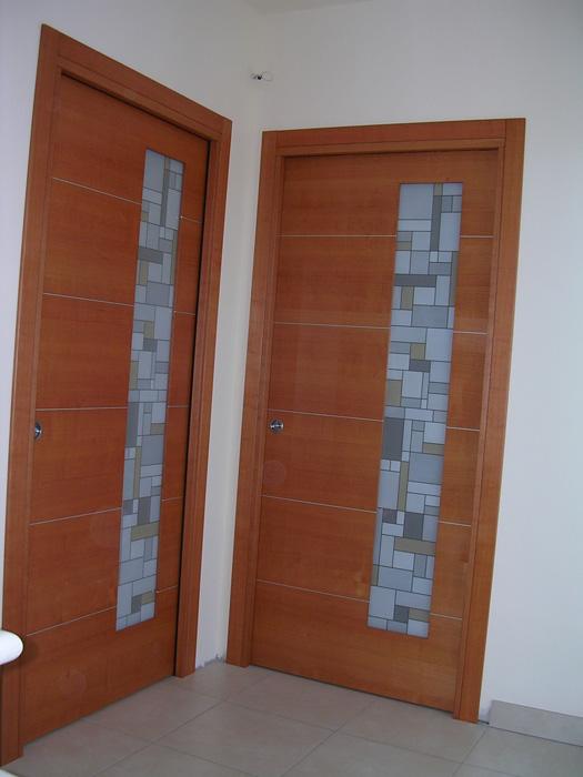 Porta scorrevole vetro e legno con inserti in alluminio - Porte finestre a libro ...