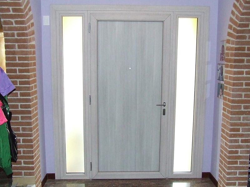 Portoncino di ingresso modello bari padova realizzazione porte finestre portoncini d - Modelli di finestre ...