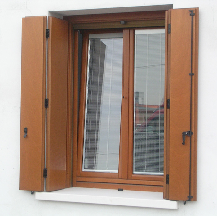 Scuri uniblocco modelli vari padova realizzazione porte finestre portoncini d 39 ingresso e - Finestre di legno ...