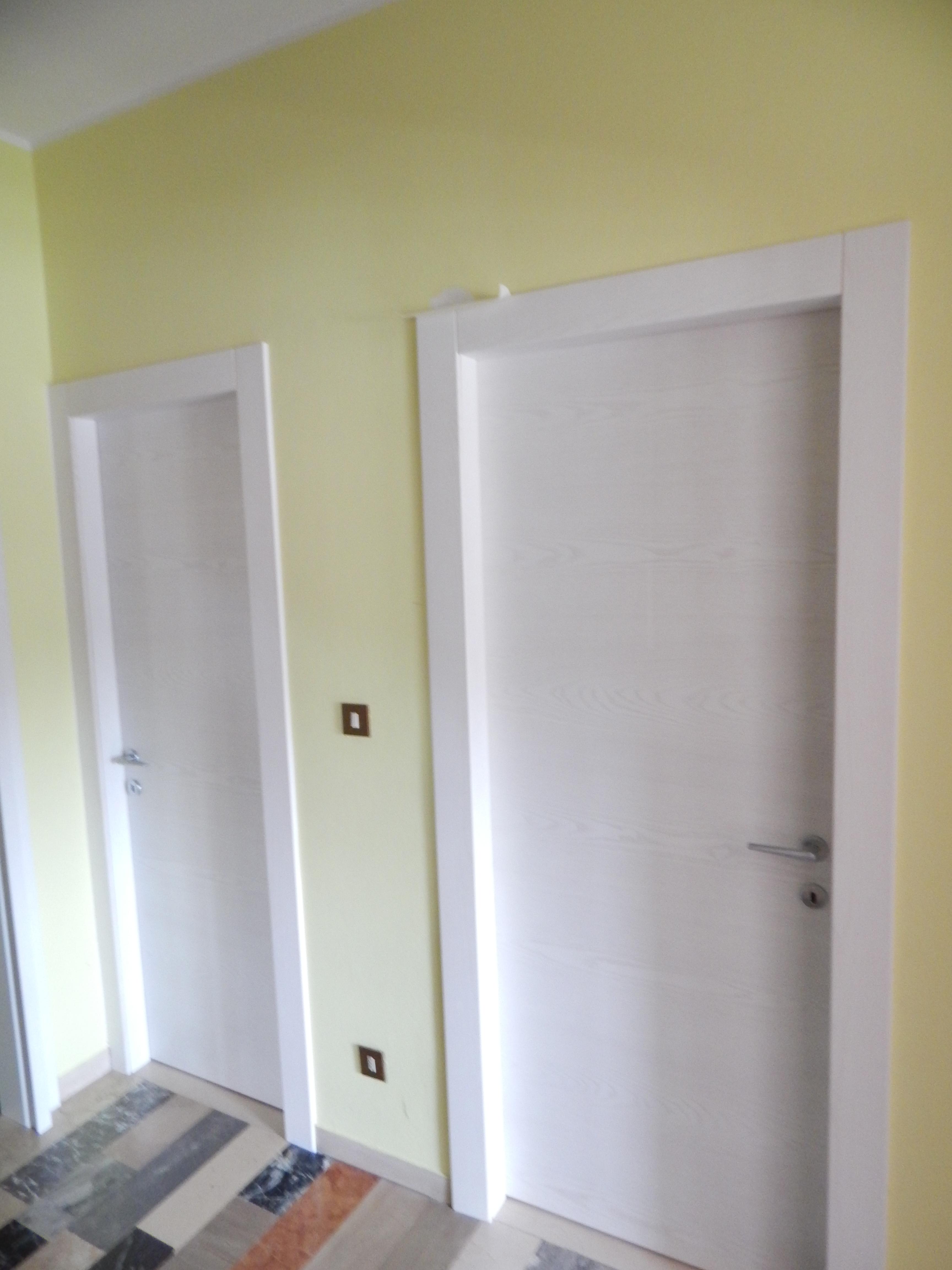 Porte in frassino casse alla trentina padova realizzazione porte finestre portoncini d - Finestre in frassino ...