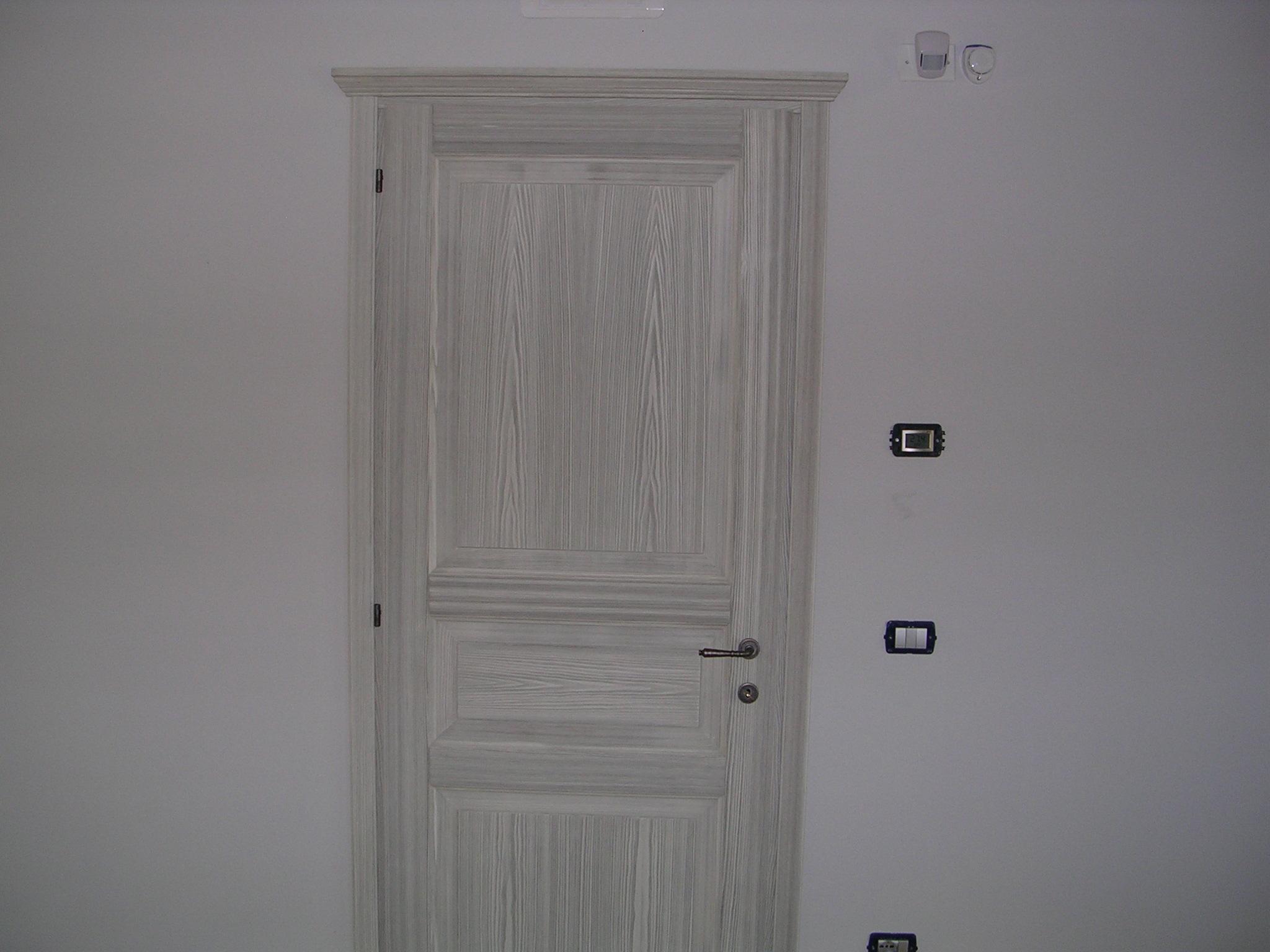 Porte Rovere Sbiancato Spazzolato porta a tre riquadri in larice spazzolato padova